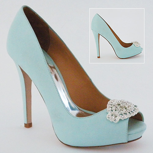 Wedding Ideas: Tiffany Blue With A Touch Of Bling