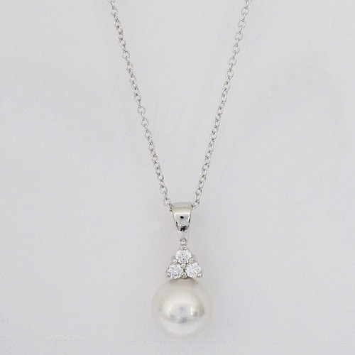 Joia de majorca bridal pearl necklace pearl wedding pendant with pearl pendant with cz trio aloadofball Choice Image